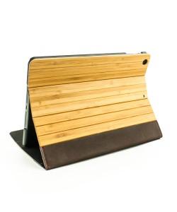 Houten iPad AIR bookcase - bamboe & bruin leer - Hoentjen Creatie